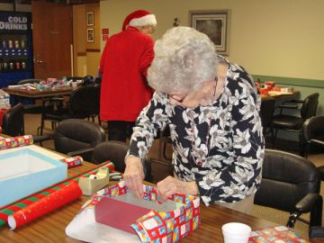 Wrapping-Gifts-Veterans-Holiday-Gift-Wrapping-Party.jpg